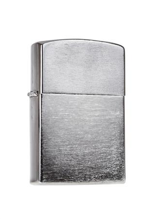 encendedores: Encendedor de metal aislada sobre fondo blanco