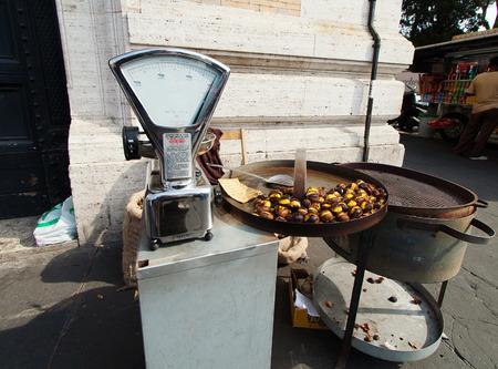 tasteful: Tasteful roasted chestnuts for sale - Rome, Italy.