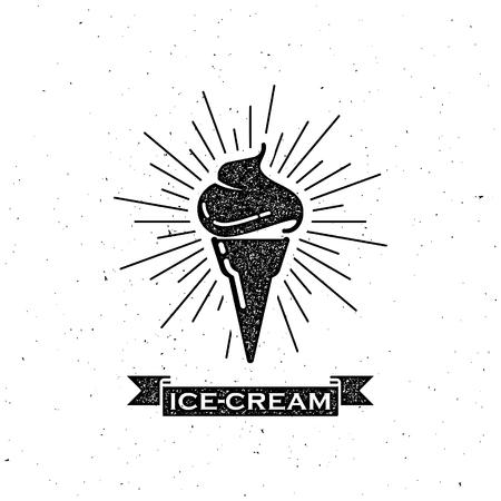 helado cucurucho: ilustración vectorial con cono de helado y una cinta de época. diseño de la etiqueta de tipografía Vectores
