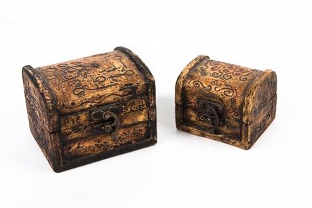 Caja de madera - aislado en el fondo blanco