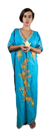 chica en traje indio azul con oregami