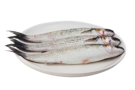tres peces m�jol en la placa aislada en el fondo blanco