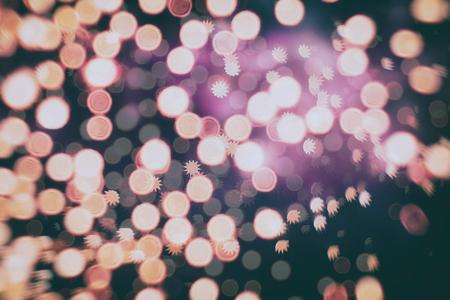 personas festejando: colorida multitud en concierto, noche de discoteca Foto de archivo