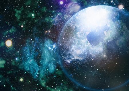 Panoramica che esamina lo spazio profondo. Cielo scuro oscuro pieno di stelle. La nebulosa nello spazio esterno.