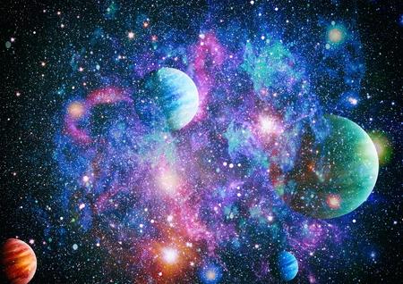Scène d'univers avec des planètes, des étoiles et des galaxies dans l'espace montrant la beauté de l'exploration spatiale. Éléments fournis par la NASA Banque d'images - 81084885