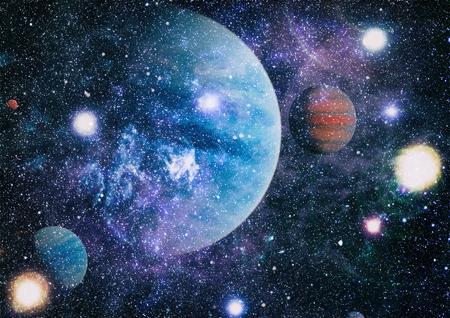 Pole gwiazd w przestrzeni kosmicznej wiele lat świetlnych od Ziemi.