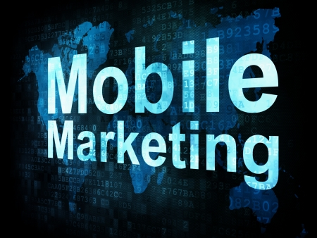 marketing strategy: Marketing-Konzept: pixelig Worte Mobile Marketing auf digitalen Bildschirm, 3D-Darstellung