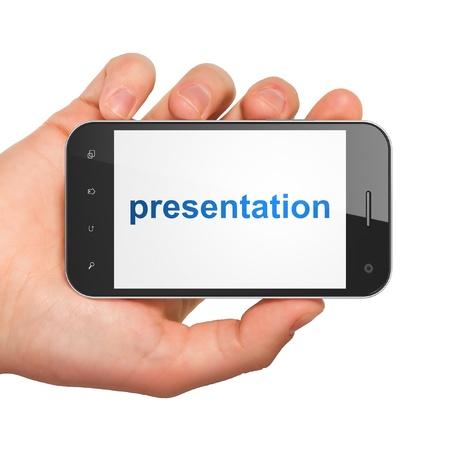 Publicidad mano sosteniendo concepto smartphone con pantalla Presentaci�n palabra gen�rica tel�fono m�vil inteligente en la mano sobre fondo blanco Foto de archivo