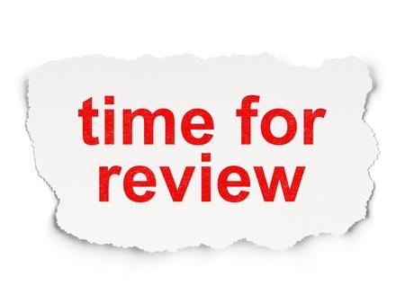 타임 라인 개념 : 종이 배경에 검토를위한 단어 시간 찢어진 종이, 3d 렌더링