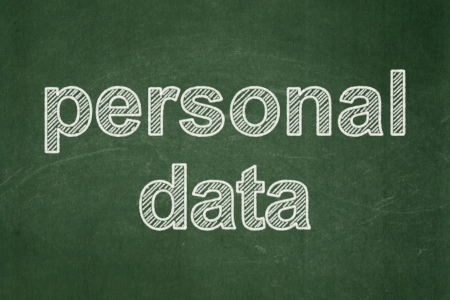 datos personales: Concepto de la informaci�n: Texto de Datos Personales en el fondo verde de la pizarra, 3d