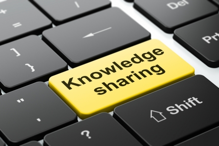 Onderwijs concept: de computer toetsenbord met woord Kennis delen, geselecteerd focus op de enter-knop achtergrond, 3D render Stockfoto