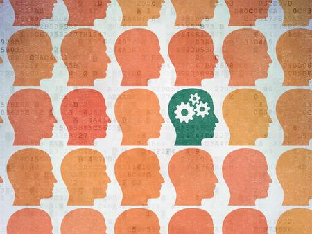 curso de capacitacion: Aprendizaje de concepto: filas de iconos pintados cabeza de color naranja alrededor de la cabeza con el icono de engranajes en el fondo de papel digital, 3d