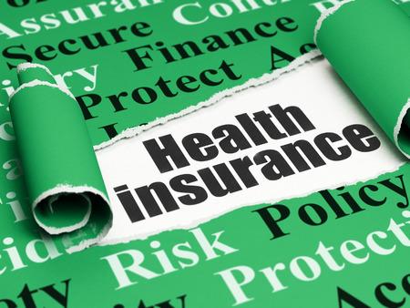 seguro: Concepto del seguro: Texto negro del Seguro de Salud bajo la pieza rizado de papel rasgado verde con Tag Cloud