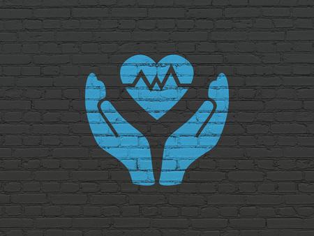 seguros: Concepto del seguro: pintado azul del coraz�n y de Palm icono sobre fondo de pared de ladrillo Negro