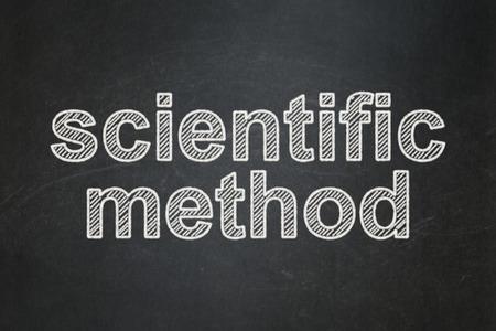 metodo cientifico: Concepto de la ciencia: Método Científico texto sobre fondo de pizarra Negro