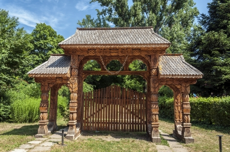 romanian: Old traditional romanian gate Editorial