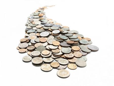 trajectoire: La trajectoire curviligne recueilli des pi�ces de monnaie et isol� sur fond blanc