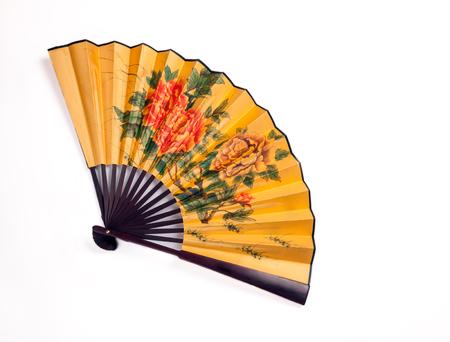 Traditionelle Hand-Fan, um das Gesicht zu lüften, vollständig geöffnet isoliert auf weißem Hintergrund Standard-Bild - 79980505