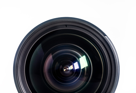 Obiettivo della macchina fotografica per foto o video in primo piano su sfondo bianco Archivio Fotografico