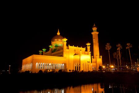 omar: Long exposure at the night of the Sultan Omar Ali Saifuddin Mosque in Bandar Seri Begawan, Brunei. Stock Photo
