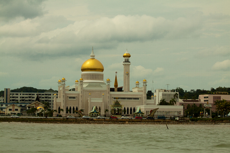 omar: Beautiful View of Sultan Omar Ali Saifudding Mosque, Bandar Seri Begawan, Brunei, Southeast Asia