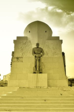 siracuse: World war monument soldier is a photo of a monument dedicate to fallen in Africa war. It is a Sicilian monument in Siracuse city.