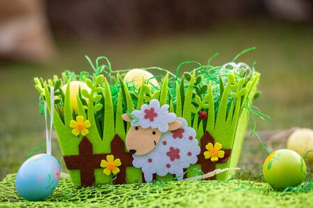 Colorful Easter eggs decorated with flowers in the grass background with space 版權商用圖片