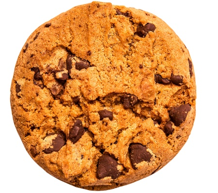 chocolate cookie: galletas con chispas de chocolate aisladas sobre fondo blanco