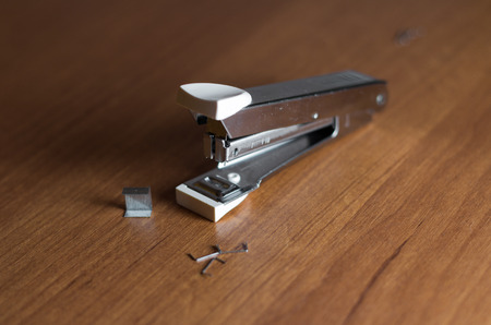 stapler: Grapadora
