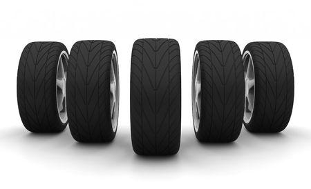 aluminum wheels: Vista en perspectiva de cinco ruedas de autom�viles nuevos aislados en el fondo blanco. Vista frontal