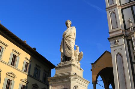 dante alighieri: Dante Alighieri statue in the square Santa Croce in Florence, Italy