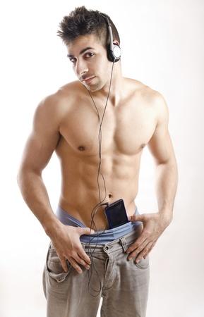 jungen unterwäsche: harten Jungen und smart phone.