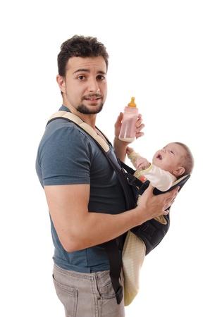 bambino che piange: Kangaroo Papà con bottiglia di latte e bambino