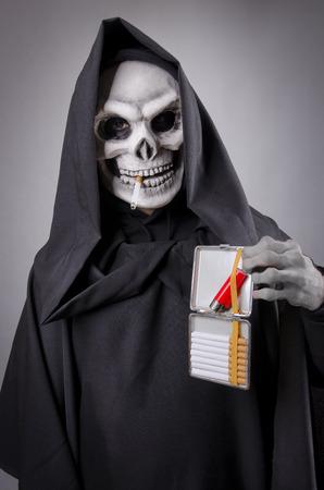 tabaco: Ofreciendo Muerte cigarrillos a la vista