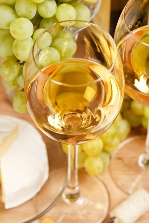 Still-life with bunch of grapes and white wine Stock Photo - 6936137