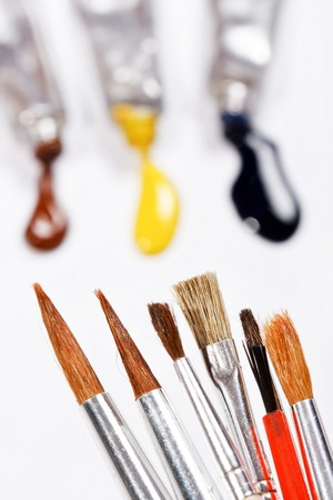 paints with brushes photo