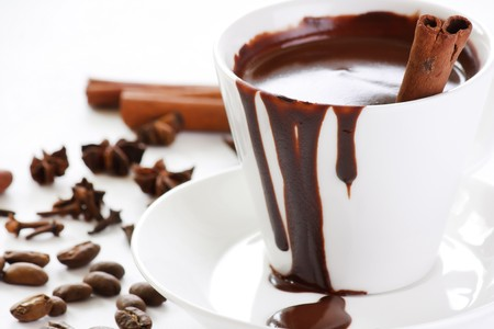 chocolate caliente: chocolate caliente con especias