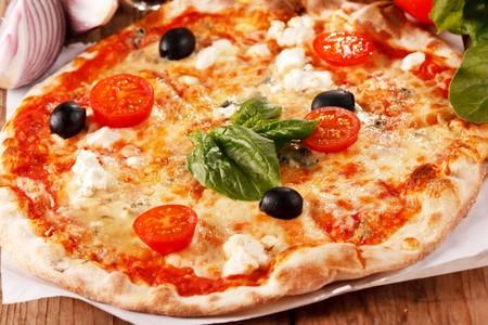 pizza: pizza sabroso