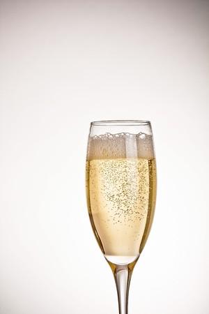 coupe de champagne: Un verre de champagne  Banque d'images