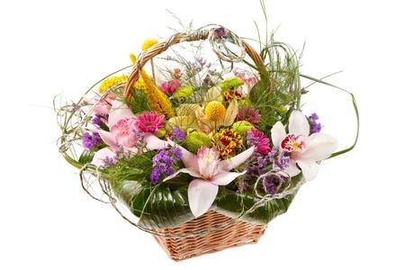 Sch?ne Blumen in einem Korb
