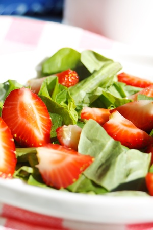 fresh spinach: Strawberry Salad
