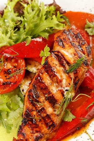 salmon steak with vegetables Stock Photo - 12079665