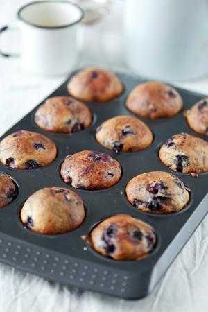 blueberry muffin: blueberries muffins