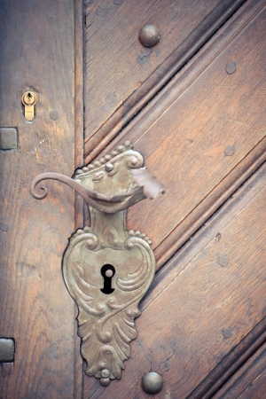 old door handle photo