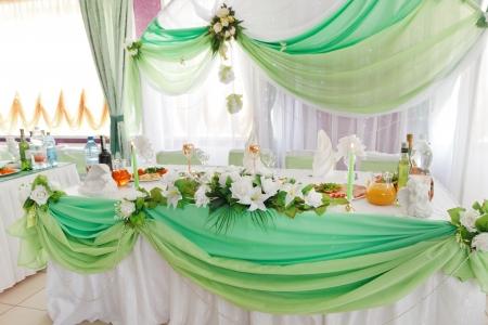 flower arrangement white table: Wedding table setting
