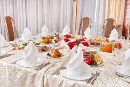 wedding table setting: Wedding table setting