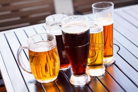 차가운 맥주 컵