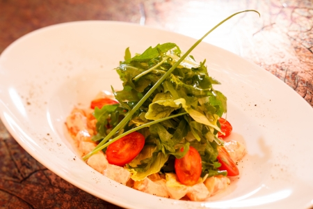 rocket lettuce: Rocket salad with cherry tomato