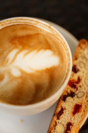 talian: cappuccino with cantuccini