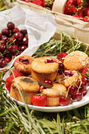 strawberry cake: summer muffins